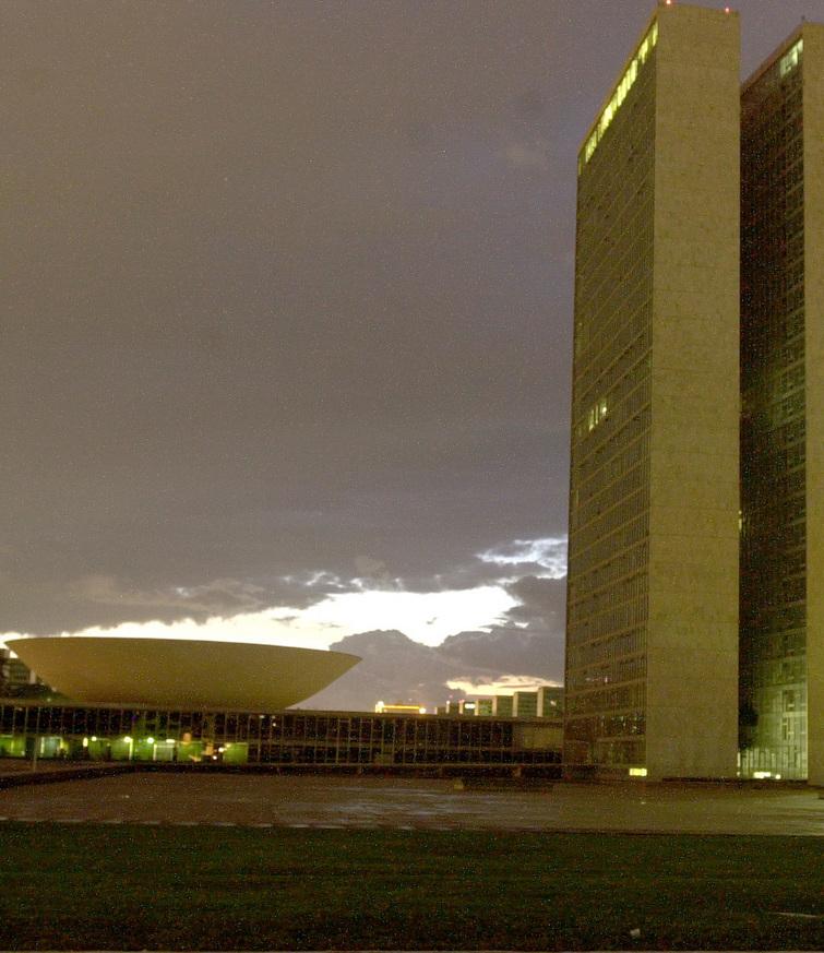 Nuvem Negra sobre o Congresso Nacional