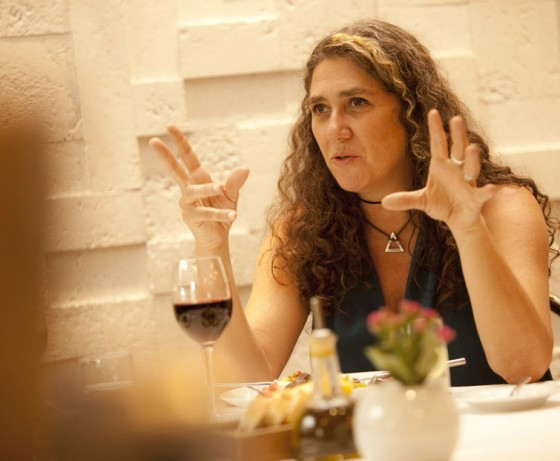 Diretora do film Que Horas Ela Chega