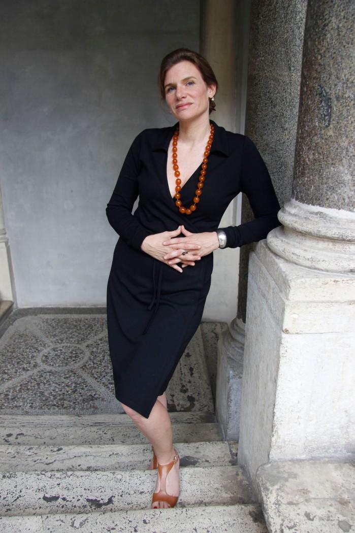 Mazzucato Mariana, economista, collana, mani, scala © 2014 Giliola CHISTE
